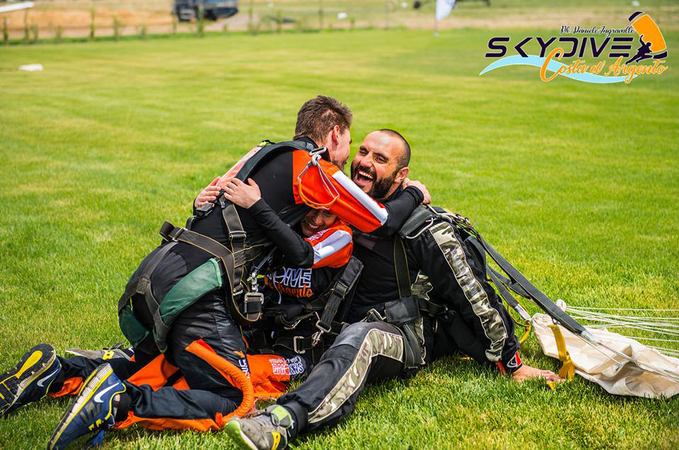 Skydive Costa d'Agento 1