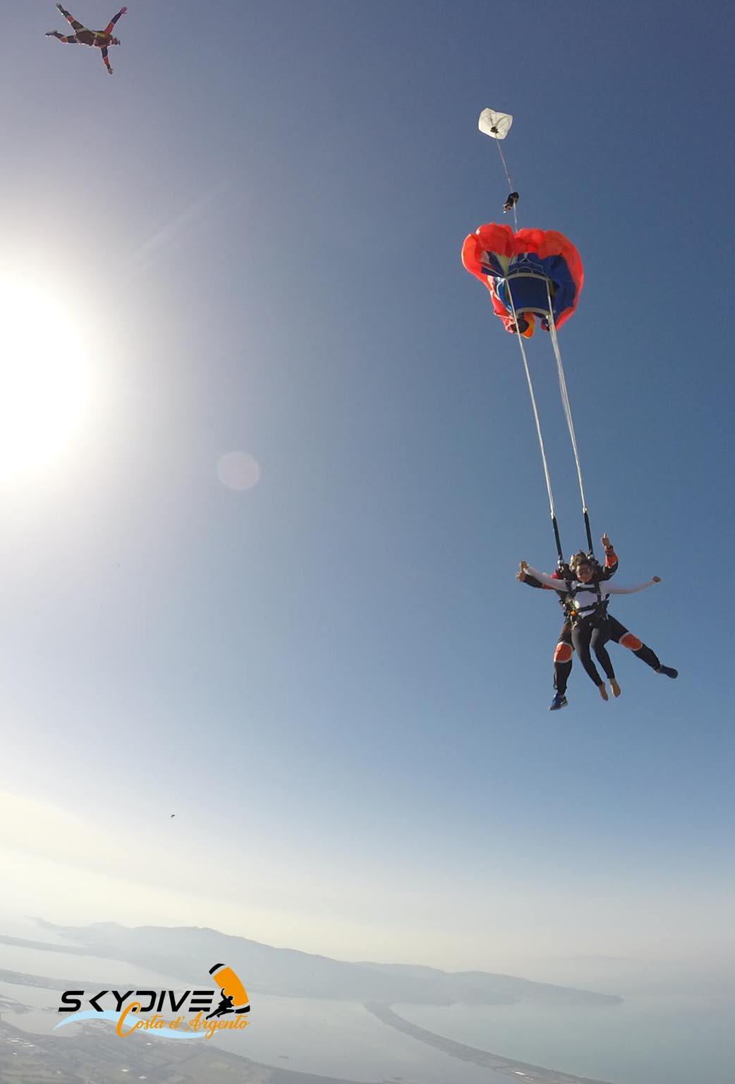 skydive-toscana-lanci-paracadute-argentario1